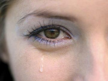 слезотечение из одного глаза