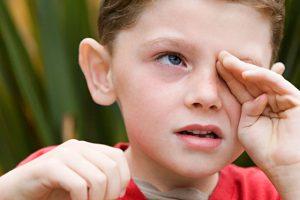 болезнь глаз у ребенка